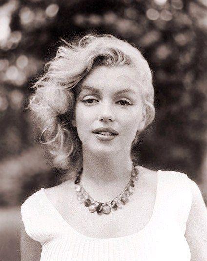 Ellas - Marilyn Monroe, Los Angeles, 1926-1962