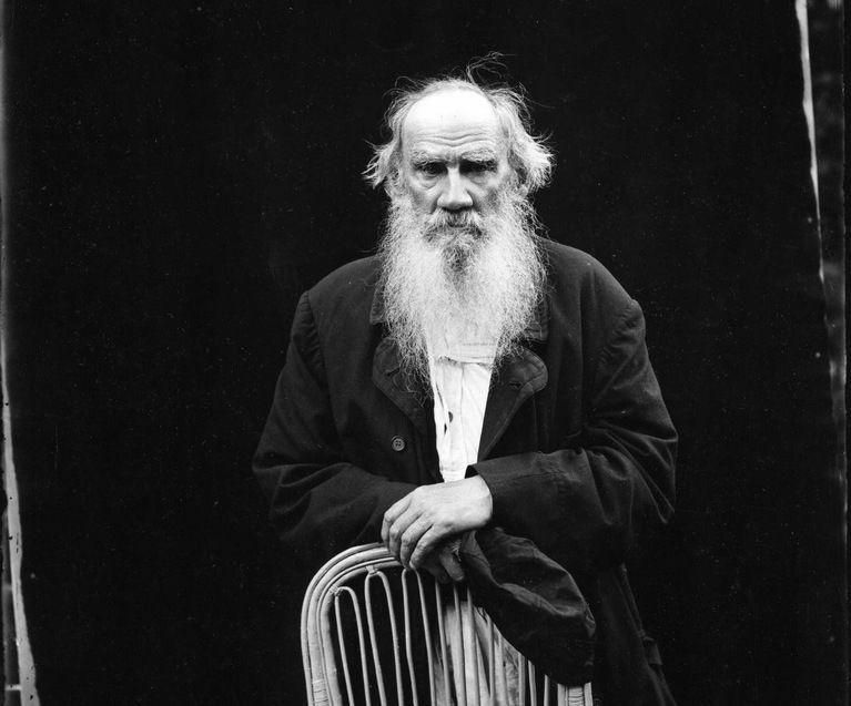 Lev Tolstoi sobre los antepasados