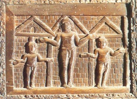 432, Crucifixión en la puerta de madera de la Basílica de Santa Sabina (Roma)