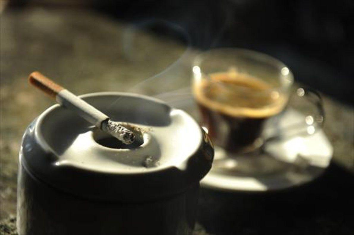 El café humea de El libro de las tentativas