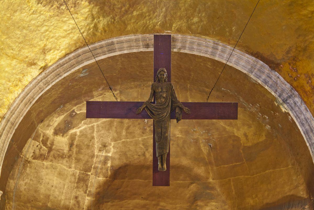 1957, Cristo triunfal de Herbert Hoffmann en la Catedral de Cuernavaca (México)