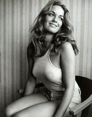 Ellas - Catherine Bach, Ohio, 1954