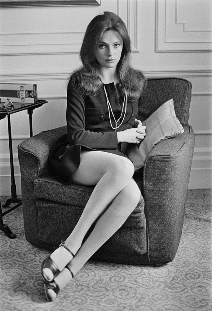 Jacqueline Bisset, Reino Unido, 1944