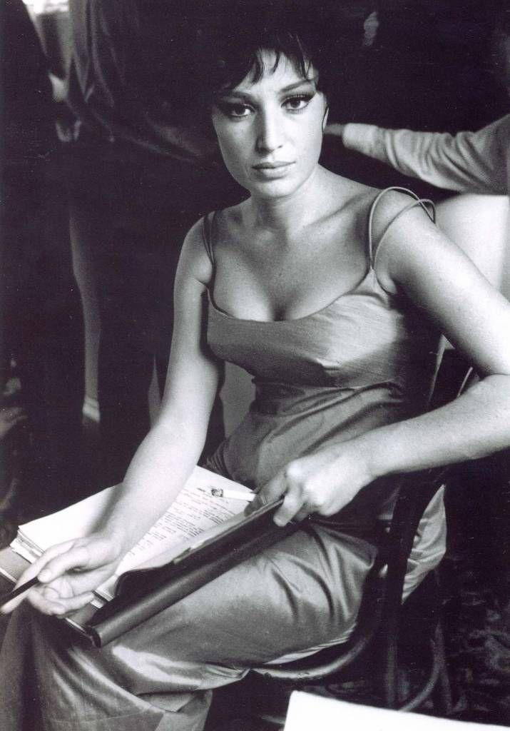Monica Vitti, Roma, 1931