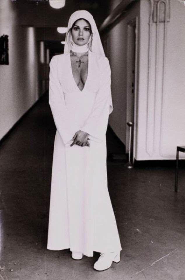 Raquel Welch, Chicago, 1940