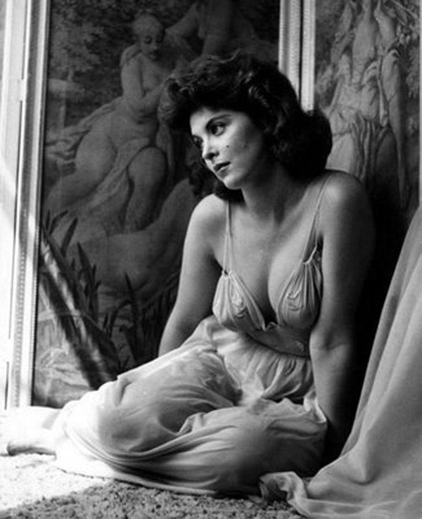 Tina Louise, Nueva York, 1934