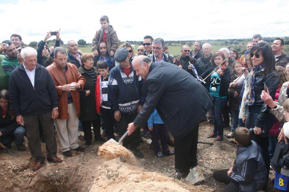"""Cementerio de Morilla: Vicente del Bosque. """"CUERPOS PERFECTOS"""", 6 de mayo de 2012."""