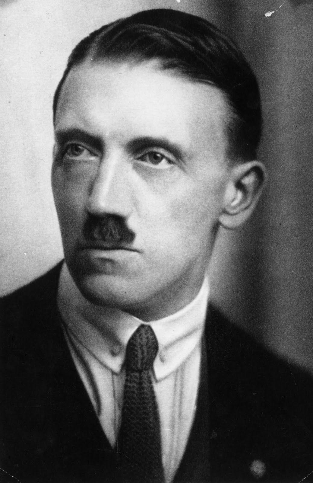 Adolf Hitler joven