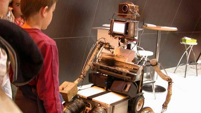 Carlos Copa (robot PaCo), poeta visual