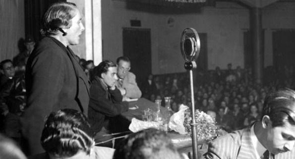 """Discurso de Dolores Ibárruri """"La Pasionaria"""" de despedida a los voluntarios de las Brigadas Internacionales, pronunciado el 1 de noviembre de 1938."""