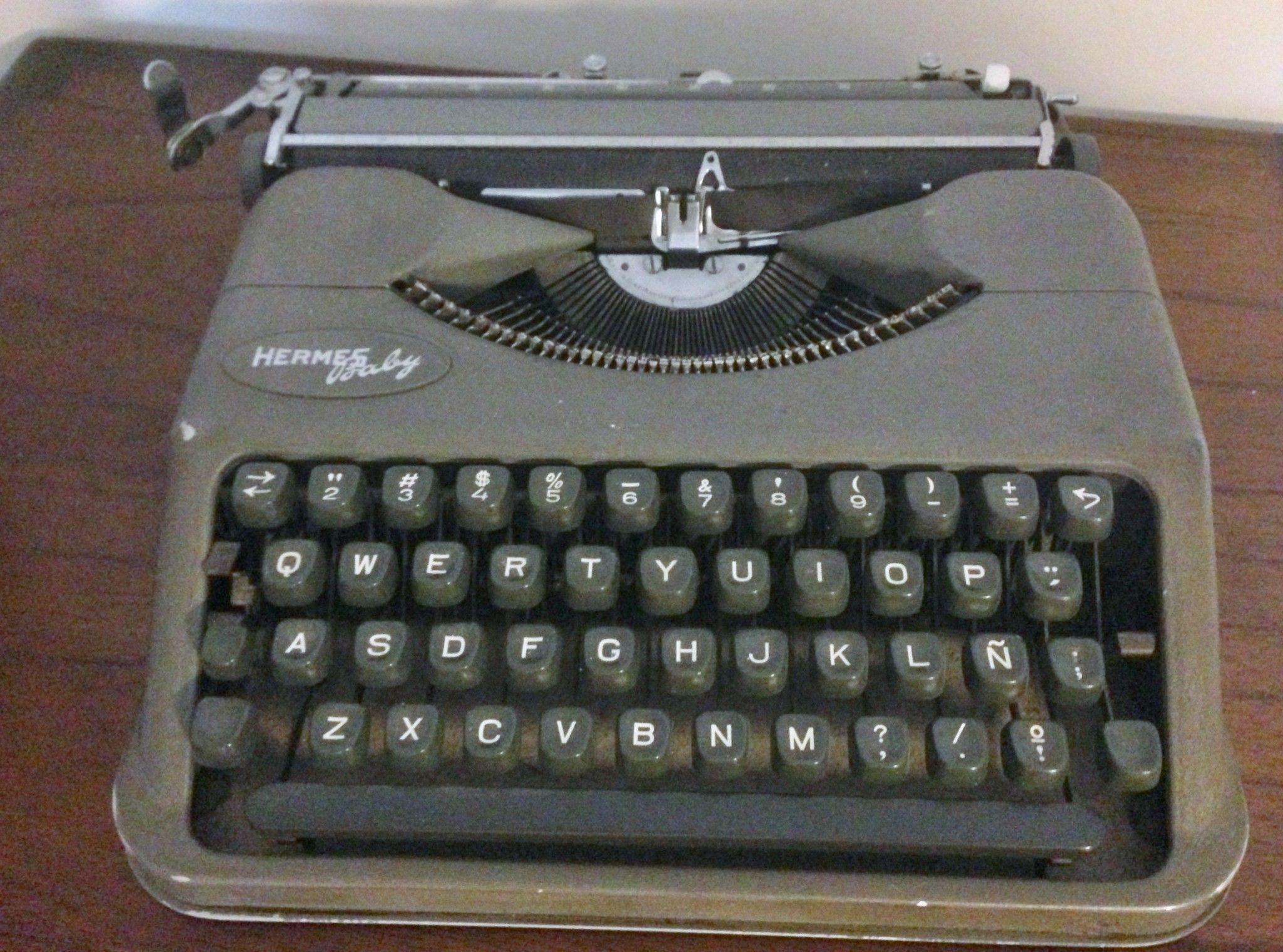 mi primera máquina de escribir (Hermes Baby)