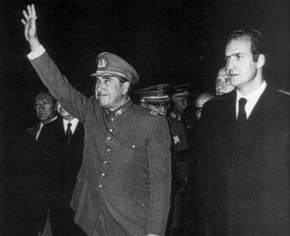 Juan Carlos I con el General Pinochet