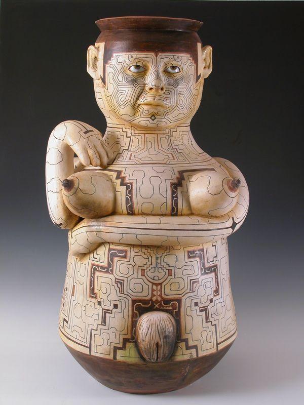 Escultura de Kukuli Velarde