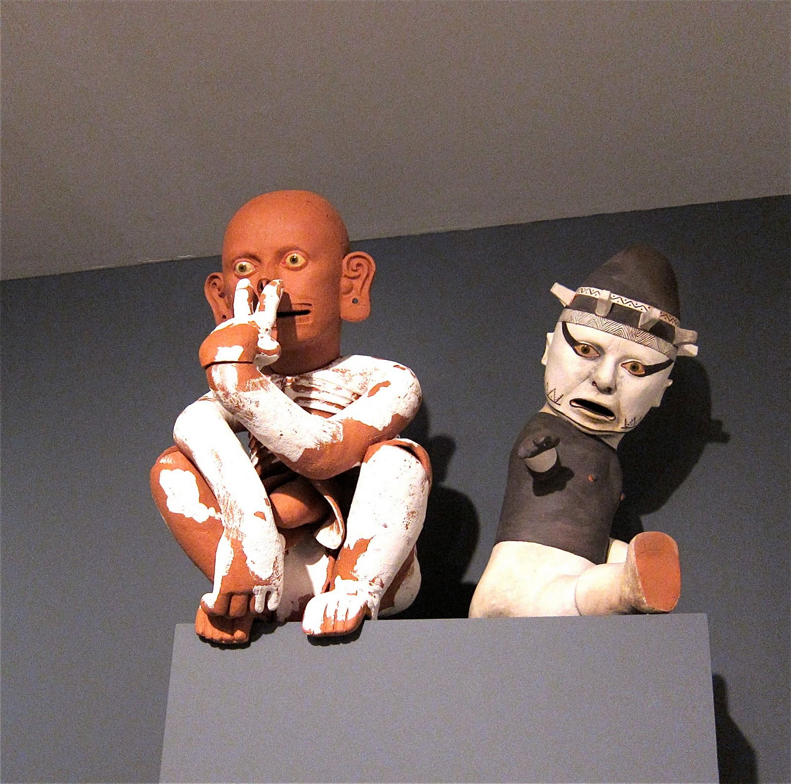 Kukuli Velarde, poeta visual