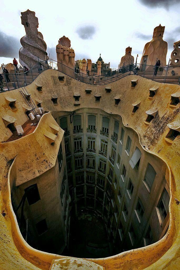 La Pedrera - Casa Milà, Antoni Gaudí (1906-1910)