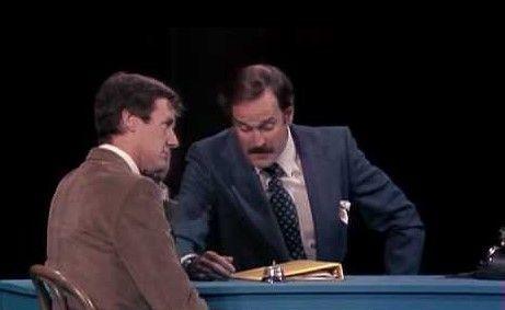 La oficina de las discusiones por Monty Python