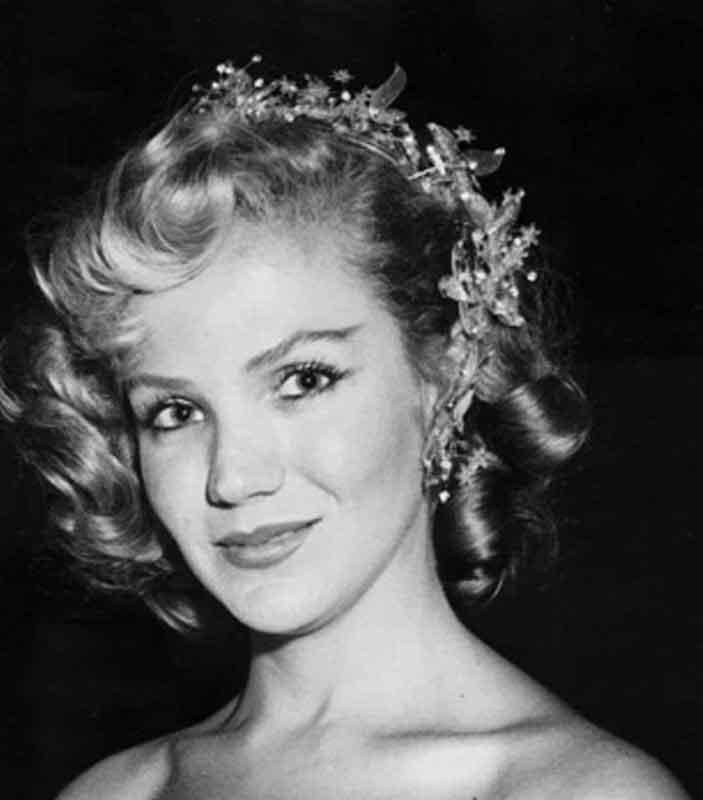 Ellas - Maribel Arrieta Gálvez, El Salvador, 1934-1989