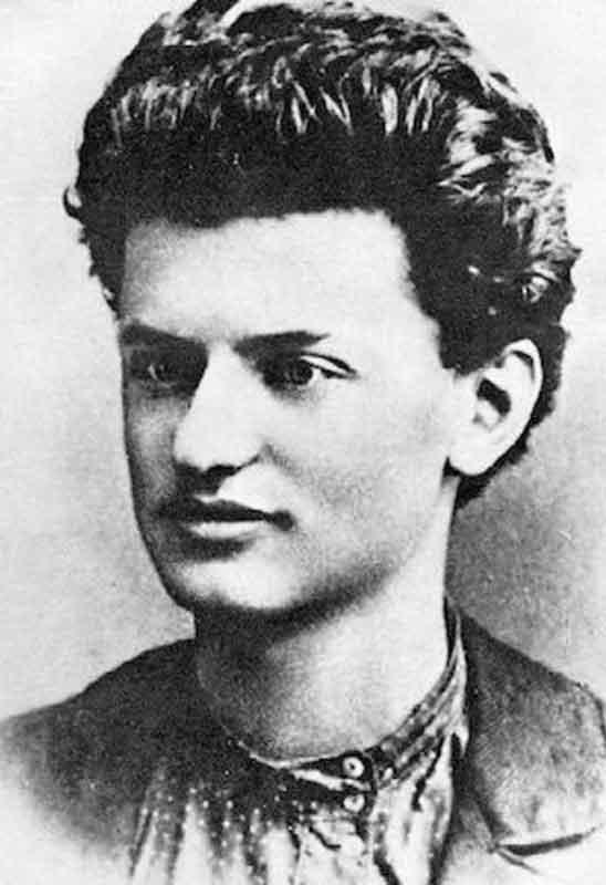 Lev Trotsky joven