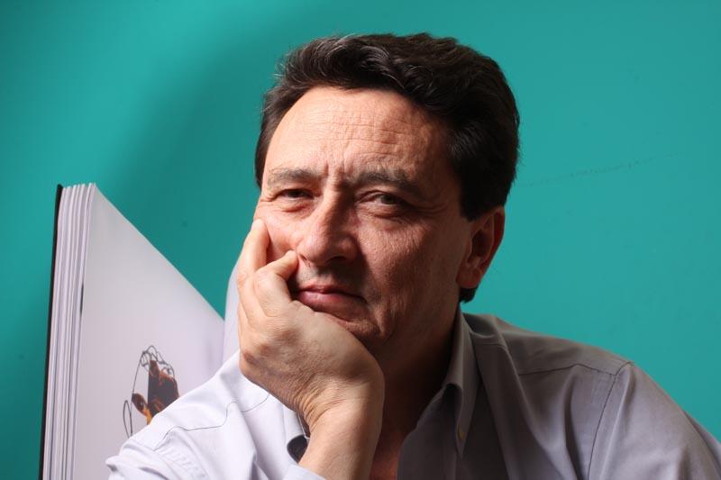 Manuel Estrada, poeta visual